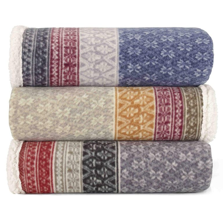 cozy blankets Airbnb Gifts