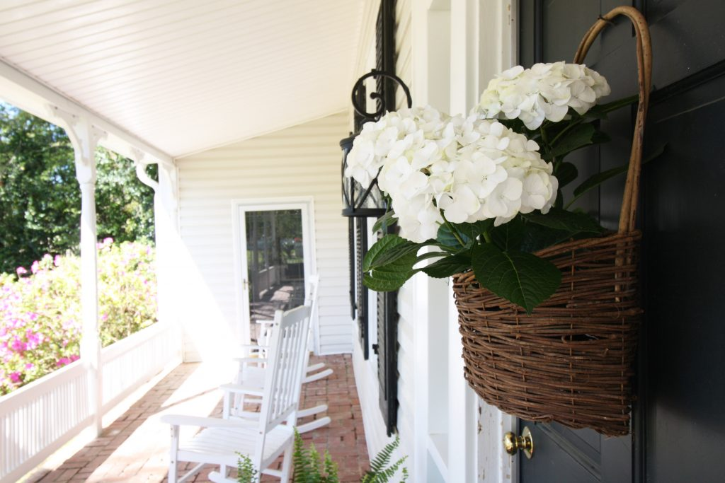 airbnb photos of front door with flowers