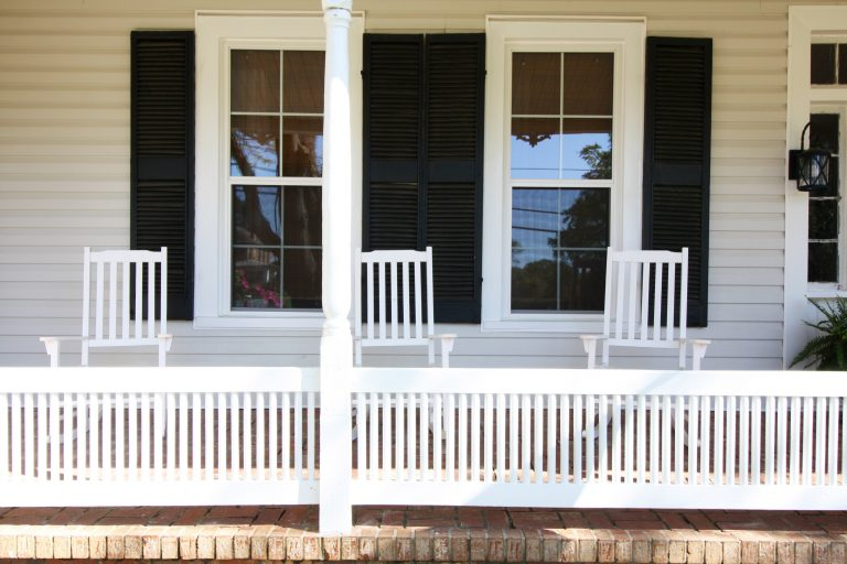 airbnb photos of front porch with rocking chairs